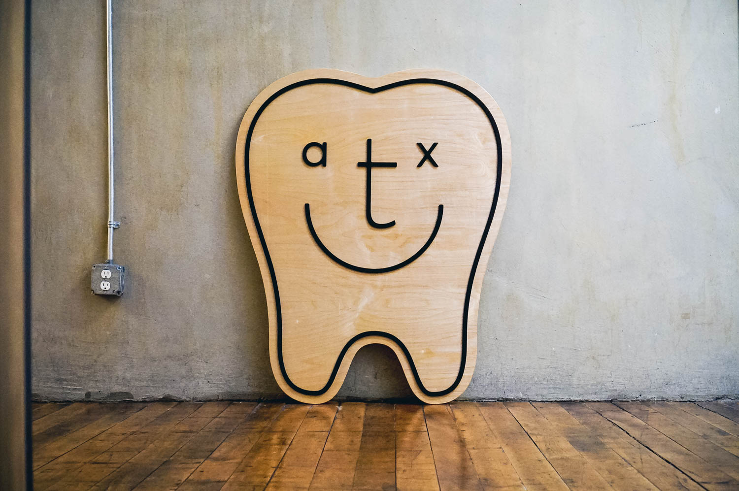 ATX Family Dental Giant Tooth Sign