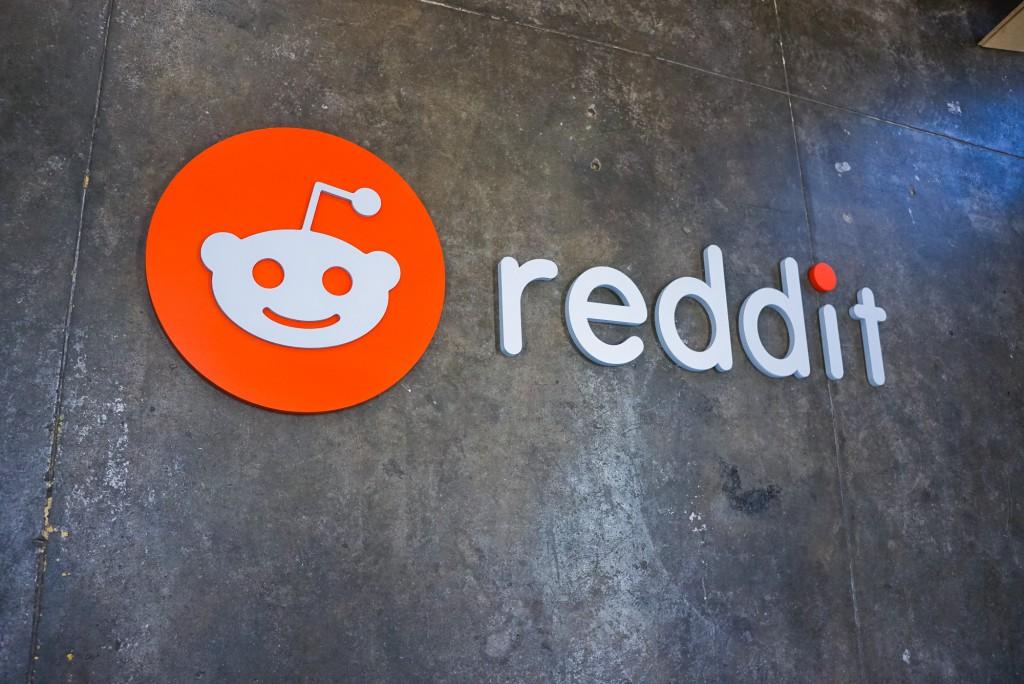 Reddit Lobby Sign