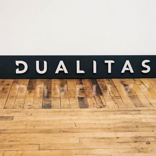 Dualitas, Exterior sign