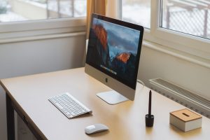 Clean desk policy for easy end-of-day cleaning (covid-19, coronovirus)