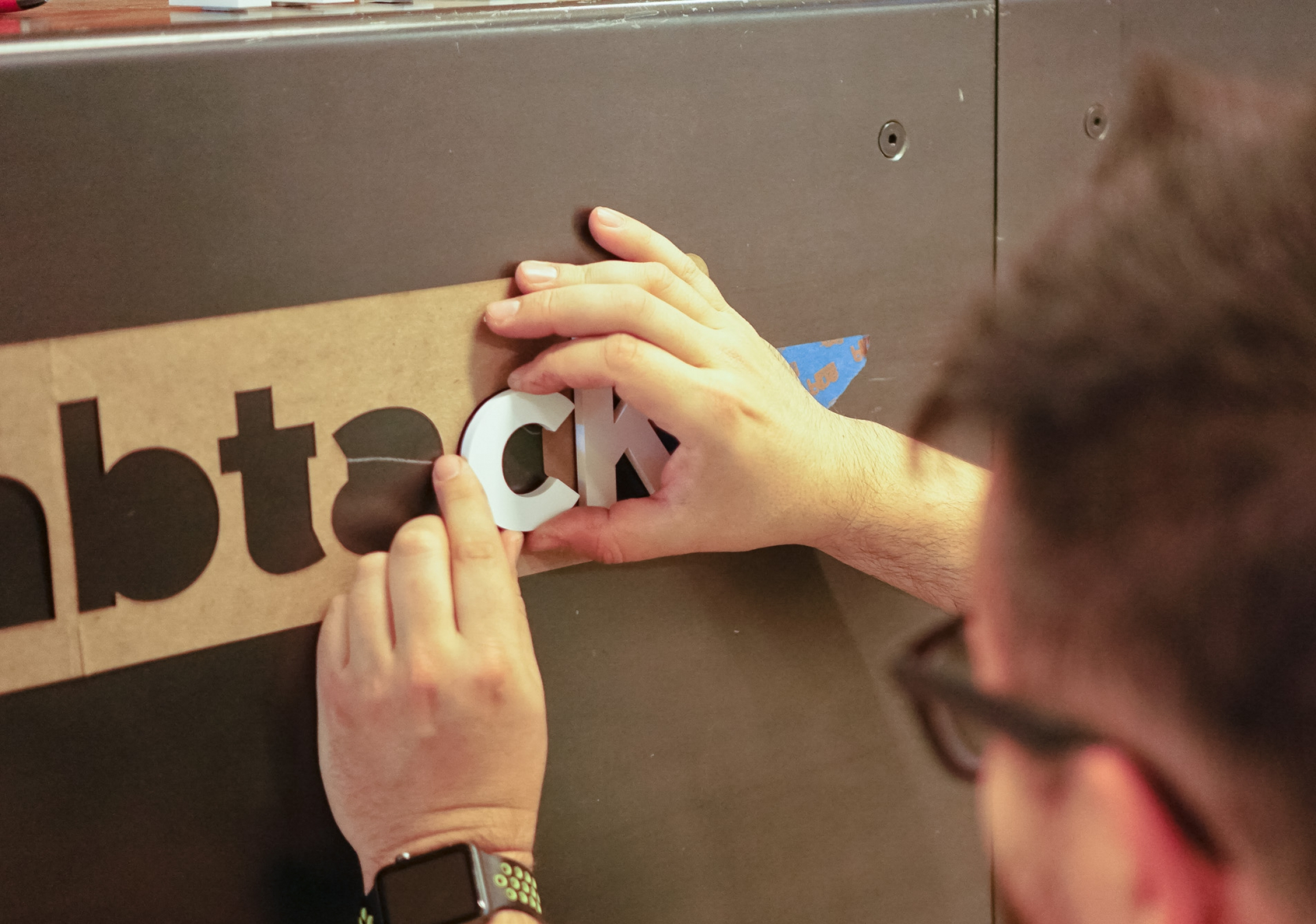 Thumbtack front desk sign process