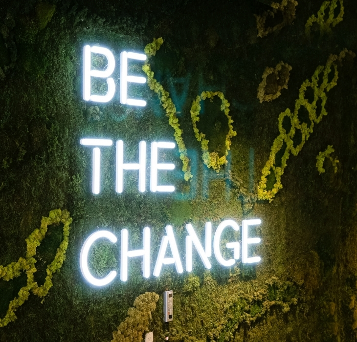 Scale – Be The Change Neon Style Sign