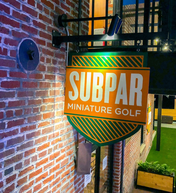 Subpar Mini Golf Blade Sign